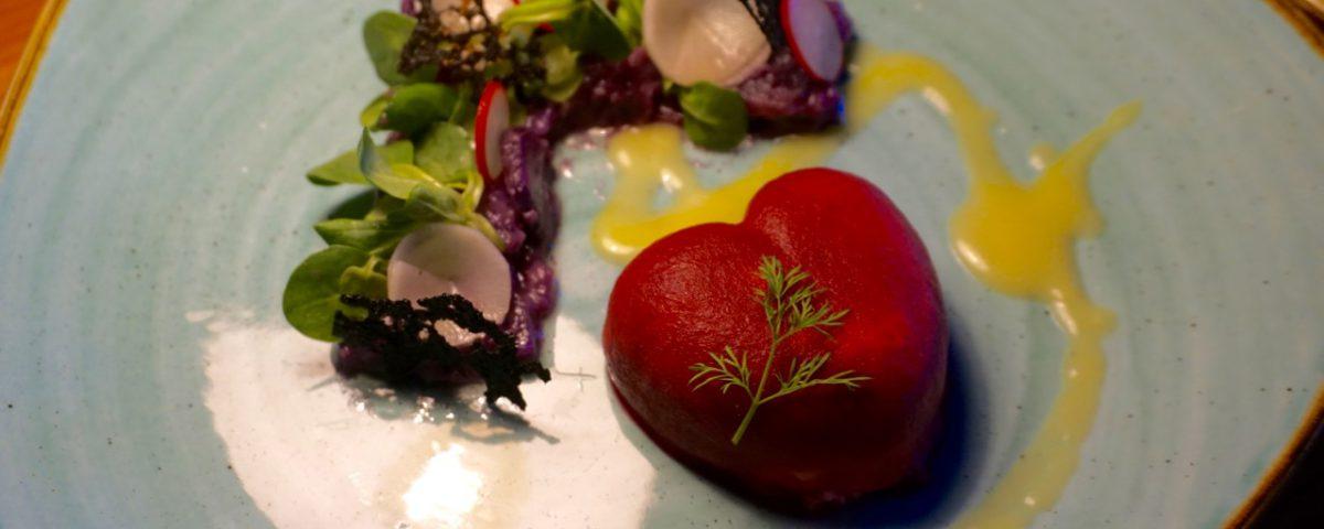 Rächerforellenmus I Safransoße I Rettich I Lila Kartoffelsalat